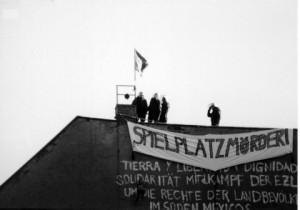 Polizei auf dem Dach! Kreuziger Straße, Bauspielplatz 1990