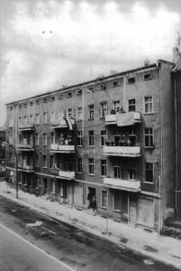 Das NAZI-Haus Weitlingstraße 122 im Jahr 1990