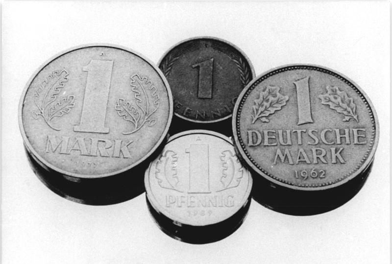 Mark der DDR, Deutsche Mark, Münzen