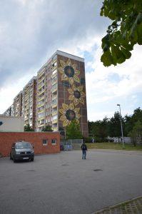 Das Sonnenblumenhaus in Rostock-Lichtenhagen, Foto: AG Timur und sein Trupp 2012